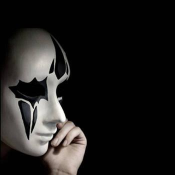 梦见别人戴面具