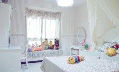 床头对着镜子容易令人精神恍惚