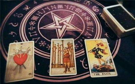 Explaining the Waite Tarot