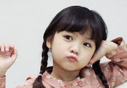 黄姓女宝宝名字诗经带水女孩名字大全女孩的怎样起比力好?